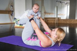 Tanzfitness für Mama und Baby